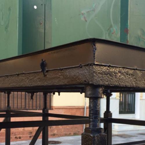 Puesta a punto de contenedores soterrados en Palma del Condado (Huelva)