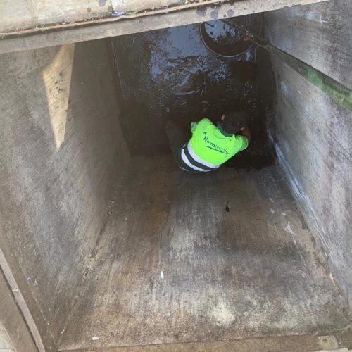 Mantenimiento de contenedores soterrados en Almonte