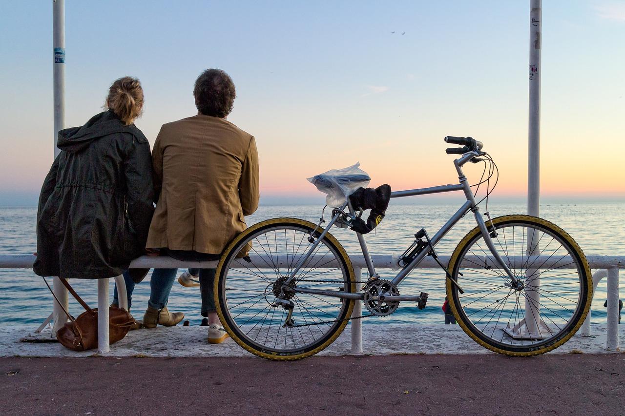 beneficios-de-la-bicicleta-pareja