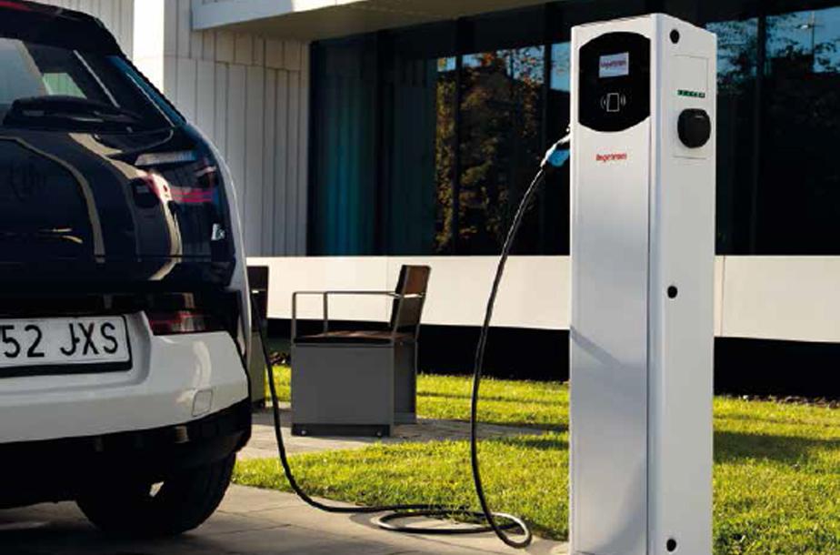 El auge de los coches eléctricos, ¿por qué contar con un punto de recarga efectivo?