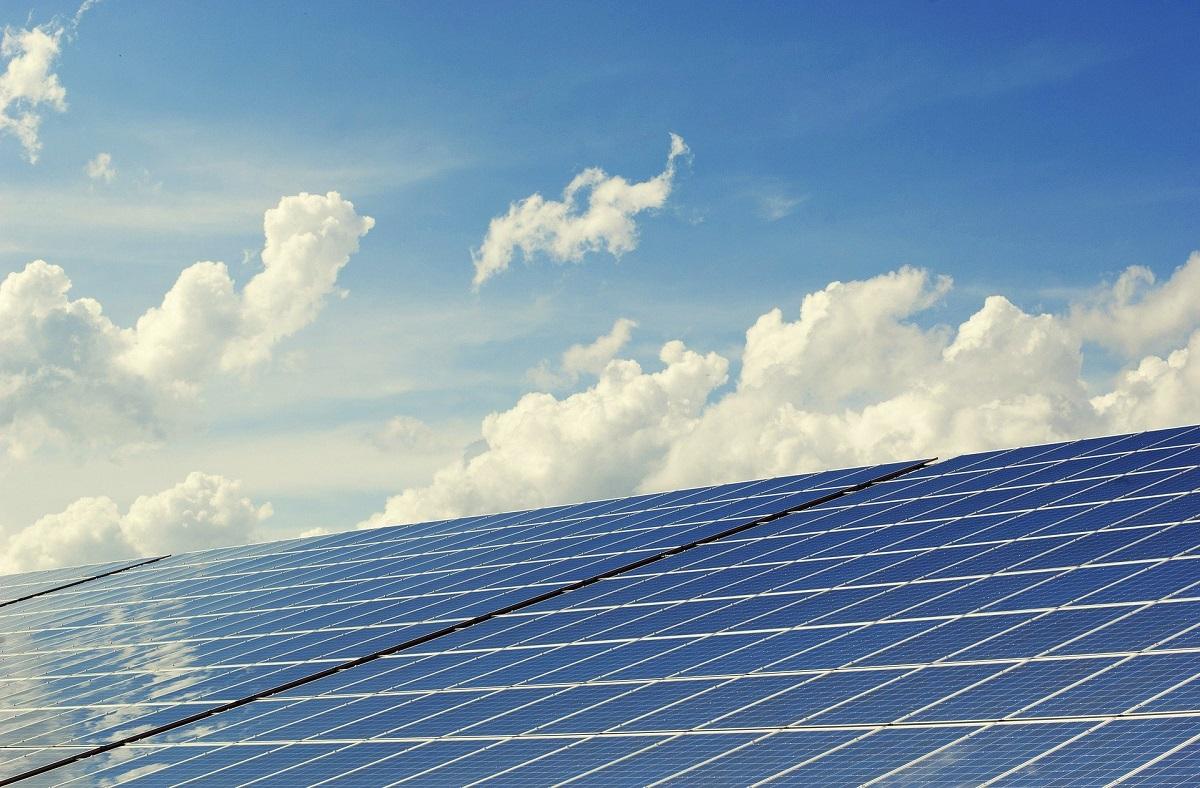 Energía solar fotovoltaica, ¿qué beneficios tiene?